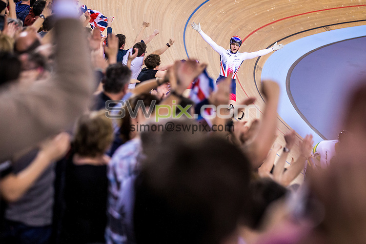 Picture by Alex Whitehead/SWpix.com - 05/03/2016 - Cycling - 2016 UCI Track Cycling World Championships, Day 4 - Lee Valley VeloPark, London, England - Great Britain's Jason Kenny celebrates winning Gold in the Men's Sprint final against Australia's Matthew Glaetzer.