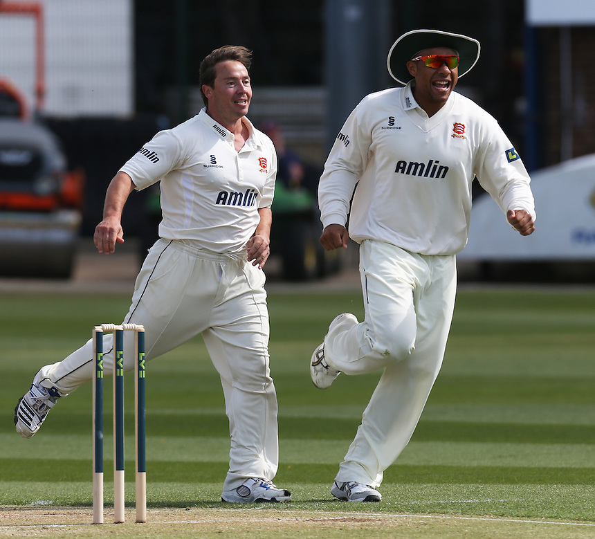 Essex's Graham Napier celebrates the wicket of Derbyshire's Mark Turner with Essex's T Mills<br /> <br /> Photographer Kieran Galvin/CameraSport<br /> <br /> County Cricket - LV= County Championship Division Two - Essex v Derbyshire - Day 2 - Monday 14th April 2014 - The Essex County Ground, Chelmsford<br /> <br /> &copy; CameraSport - 43 Linden Ave. Countesthorpe. Leicester. England. LE8 5PG - Tel: +44 (0) 116 277 4147 - admin@camerasport.com - www.camerasport.com