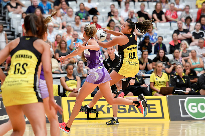 Pulse&rsquo; Tiana Metuarau in action during the Netball Pre Season Tournament - Pulse v Stars at Ngā Purapura, Otaki, New Zealand on Saturday 9 February  2019. <br />