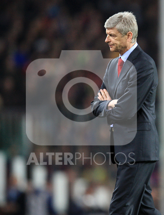 A dejected Arsene Wenger during the UEFA Champions League quarter final second leg match between Barcelona and Arsenal at Camp Nou on April 6, 2010 in Barcelona, Spain.