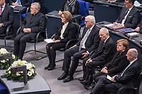 Staatsakt fuer den am 4. Januar 2018 verstorbenen ehemaligen Bundestagspraesident Dr. Philipp Jenninger am Donnerstag den 17. Januar 2018 im Deutschen Bundestag.<br /> Im Bild vlnr: Eminenz Walter Kardinal Kasper; Witwe Jenninger; Bundespraesident Frank-Walter Steinmeier; Bundestagspraesident Wolfgang Schaeuble; Bundeskanzlerin Angela Merkel; Andreas Vosskuhle, Praesident des Bundesverfassungsgericht.<br /> 18.1.2018, Berlin<br /> Copyright: Christian-Ditsch.de<br /> [Inhaltsveraendernde Manipulation des Fotos nur nach ausdruecklicher Genehmigung des Fotografen. Vereinbarungen ueber Abtretung von Persoenlichkeitsrechten/Model Release der abgebildeten Person/Personen liegen nicht vor. NO MODEL RELEASE! Nur fuer Redaktionelle Zwecke. Don't publish without copyright Christian-Ditsch.de, Veroeffentlichung nur mit Fotografennennung, sowie gegen Honorar, MwSt. und Beleg. Konto: I N G - D i B a, IBAN DE58500105175400192269, BIC INGDDEFFXXX, Kontakt: post@christian-ditsch.de<br /> Bei der Bearbeitung der Dateiinformationen darf die Urheberkennzeichnung in den EXIF- und  IPTC-Daten nicht entfernt werden, diese sind in digitalen Medien nach &sect;95c UrhG rechtlich geschuetzt. Der Urhebervermerk wird gemaess &sect;13 UrhG verlangt.]