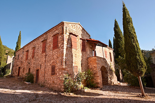 The Byzantine of Nea Moni built by Constantine IX and Empress Zoe after the miraculous appearance of an Icon of the Virgin Mary at the site and inaugurated in 1049. Scene of a terrible sack and massacre of hundreds of Chiots and priests during the Ottoman sack of Chios in reprisal for the 1821 Greek War of Indipendance. Nea Moni monastery, Chios Island, Greece. A UNESCO World Heritage Site.