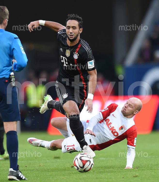 Fussball  1. Bundesliga  Saison 2014/2015  15. Spieltag  FC Augsburg - FC Bayern Muenchen     13.12.2014 Medhi Benatia (li, FC Bayern Muenchen) gegen Tobias Werner (re, FC Augsburg)