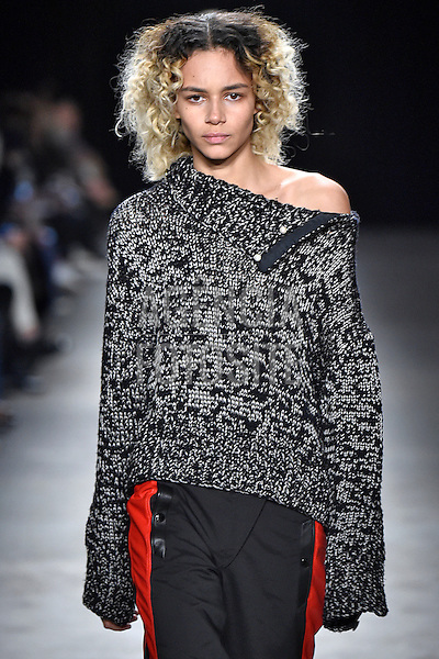 Rag and Bone- feminine<br /> <br /> New York - Inverno 2016<br /> <br /> <br /> foto: FOTOSITE