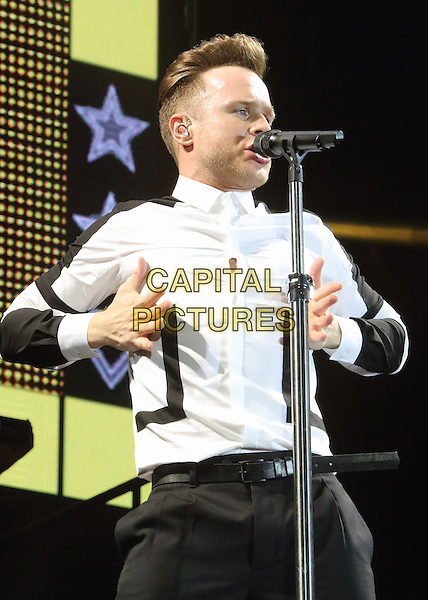 CHELMSFORD, ESSEX - Olly Murs performs at V Festival 2015 at Hylands Park, on 22nd and 23rd of August 2015 in Chelmsford, Essex<br /> CAP/ROS<br /> &copy;Steve Ross/Capital Pictures