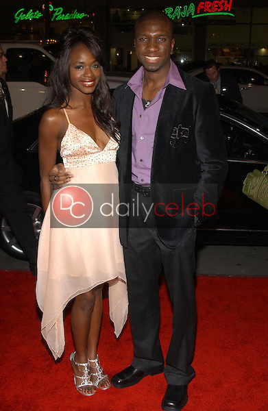 Nzinga Blake and Adetokumboh M'Cormack<br />at the premiere of &quot;Blood Diamond&quot;. Grauman's Chinese Theatre, Hollywood, CA. 12-06-06<br />Dave Edwards/DailyCeleb.com 818-249-4998
