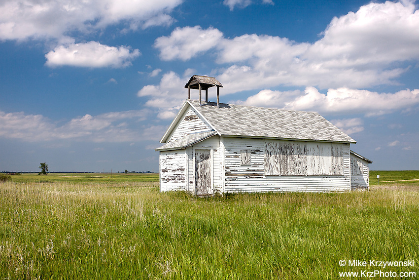 Abandoned Old School House in Steele, ND
