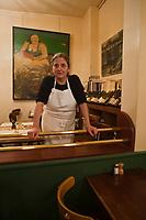 Europe/France/Ile-de-France/75020/Paris:Restaurant, Bar à vins: Le Baratin - Raquel Carena [Non destiné à un usage publicitaire - Not intended for an advertising use]