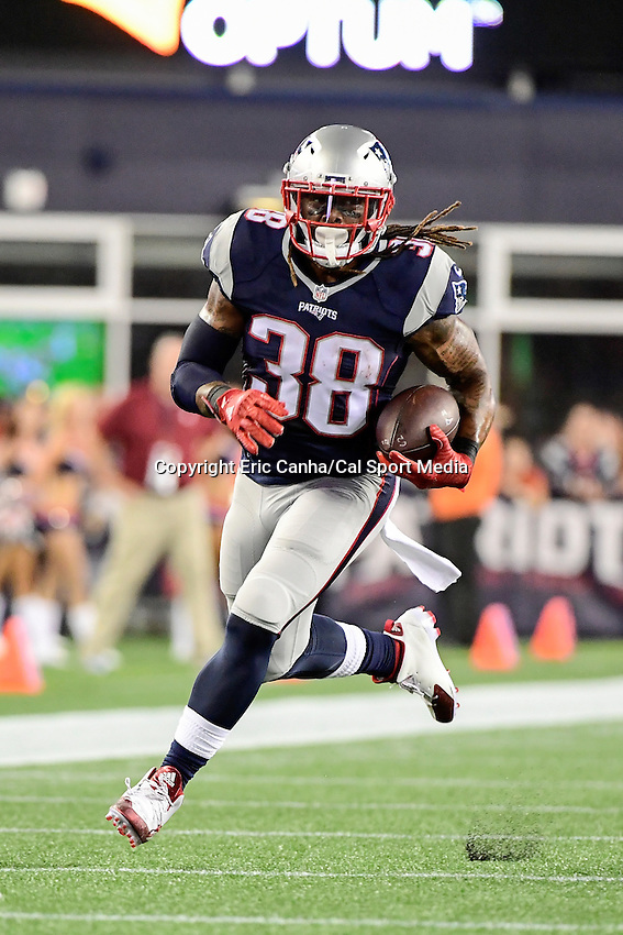Thursday, August 18 2016: New England Patriots running back Brandon Bolden (38) in game action during a pre-season NFL game between the Chicago Bears and the New England Patriots held at Gillette Stadium in Foxborough Massachusetts. The Patriots defeat the Bears 23-22 in regulation time. Eric Canha/Cal Sport Media