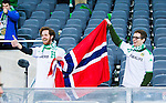 Stockholm 2014-04-14 Fotboll Superettan Hammarby IF - Degerfors IF :  <br /> Hammarby supportrar med Norge norsk flagga g&ouml;r tummen upp till Hammarbys Fredrik Torsteinb&ouml; Torsteinb&oslash; efter matchen <br /> (Foto: Kenta J&ouml;nsson) Nyckelord:  HIF Bajen Degerfors  supporter fans publik supporters jubel gl&auml;dje lycka glad happy