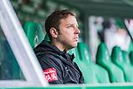 02.11.2019, wohninvest WESERSTADION, Bremen, GER, 1.FBL, Werder Bremen vs SC Freiburg<br /> <br /> DFL REGULATIONS PROHIBIT ANY USE OF PHOTOGRAPHS AS IMAGE SEQUENCES AND/OR QUASI-VIDEO.<br /> <br /> im Bild / picture shows<br /> Florian Kohfeldt (Trainer SV Werder Bremen) auf Trainerbank vor Spielbeginn, <br /> <br /> Foto © nordphoto / Ewert
