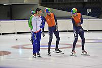 SCHAATSEN: HEERENVEEN: 19-09-2013, IJsstadion Thialf, Training Shorttrack, Sjinkie Knegt weer terug op de shorttrackbaan, voorzichtig werden de eerste rondjes weer gereden na zijn meniscusoperatie van enige weken geleden, v.l.n.r. Shinkie Knegt - Daan Breeuwsma, Freek van der Wart, ©foto Martin de Jong