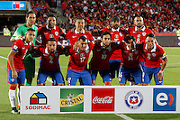 SANTIAGO DE CHILE- CHILE-12-11-2015: Los jugadores de Chile, posan para una foto, durante partido de la fecha 3 válido por la clasificación a la Copa Mundo FIFA 2018 Rusia jugado en el Estadio Nacional Julio Martinez de la ciudad de Santiago de Chile. /  The players of Chile pose for a photo,  during match for the date 3 valid for the 2018 FIFA World Cup Russia Qualifier played at Julio Martinez Nacional Stadium in Santiago de Chile city. Photo: VizzorImage / Marcelo Hernandez/Photosport / Cont.