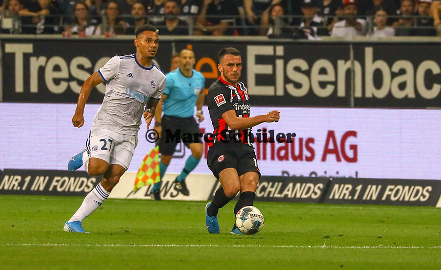 Filip Kostic (Eintracht Frankfurt) gegen Kenny Lala (Racing Club de Strasbourg Alsace) - 29.08.2019: Eintracht Frankfurt vs. Racing Straßburg, UEFA Europa League, Qualifikation, Commerzbank Arena<br /> DISCLAIMER: DFL regulations prohibit any use of photographs as image sequences and/or quasi-video.