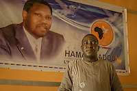 "Bana Ibrahim Moden, Sprecher der Oppositionspartei ""Movement Democratique Nigerienne"" (Moden) im Parteihauptquartier in Niamey, Niger"
