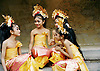Amandari Resort, Bali: Indonesian dancing girls