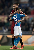 Calcio, Serie A: Roma, stadio Olimpico, 14 ottobre 2017.<br /> Napoli's Lorenzo Insigne (r) greets Roma's captain Daniele De Rossi (l) at the end of the Italian Serie A football match between Roma and Napoli at Rome's Olympic stadium, October14, 2017.<br /> UPDATE IMAGES PRESS/Isabella Bonotto