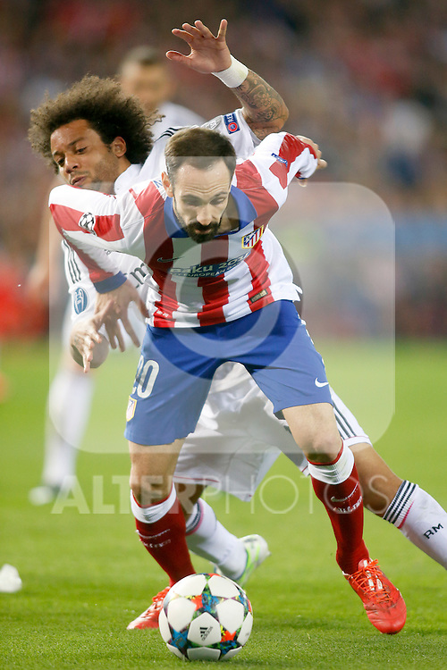 Atletico de Madrid's Juanfran Torres (f) and Real Madrid's Marcelo Vieira during Champions League 2014/2015 Quarter-finals 1st leg match.April 14,2015. (ALTERPHOTOS/Acero)