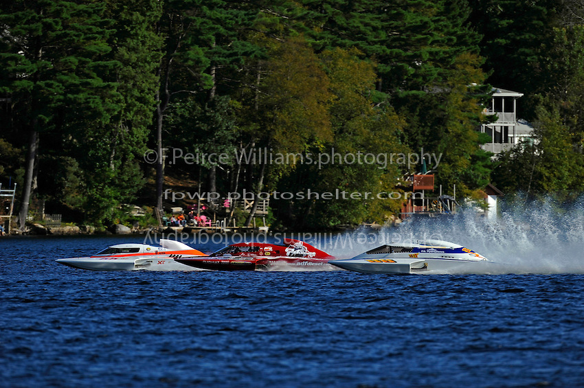 "Mike Weber, GP-55 ""My Way"", Burt Henderson, GP-777 ""The Crush"" and Tom Pakradooni, GP-88, ""Rolling Thunder"" line up for the start.(Grand Prix Hydroplane(s)"