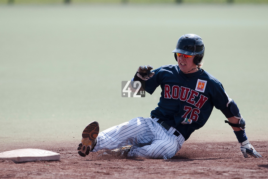 11 April 2010: Luc Piquet of Rouen slides safely into third base during game  1/week 1 of the French Elite season won 5-1 by Rouen over Montigny, at the Cougars Stadium in Montigny le Bretonneux, France.