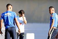 GOIANIA, GO, 28.07.2016 - BRASIL-JAP&Atilde;O - Gabriel Jesus (E) e Neymar Jr (D) durante treino da sele&ccedil;&atilde;o ol&iacute;mpica brasileira de futebol no Est&aacute;dio Serra Dourada, em Goi&acirc;nia (GO), na tarde desta quinta-feira, 28. A equipe enfrentar&aacute; o Jap&atilde;o em partida amistosa no s&aacute;bado (30), em prepara&ccedil;&atilde;o para os Jogos Ol&iacute;mpicos do Rio.<br />   (Foto: Marcos Souza/Brazil Photo Press)