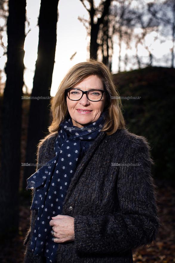 Oslo, Norge, 12.11.2013. Sigrun Slapgard (f&oslash;dt 30. oktober 1953) er en norsk journalist og forfatter. Hun arbeider i NRKs utenriksredaksjon, og rapporterte hjem for NRK fra Qatar under invasjonen av Irak i 2003. H&oslash;sten 2007 overtok hun som programleder for utenriksmagasinet Urix.<br /> Slapgard ble nominert til Brageprisen og fikk Melsom-prisen for sin biografi over den kvinnelige krigsreporteren Lise Lindb&aelig;k. Foto: Christopher Olss&oslash;n.
