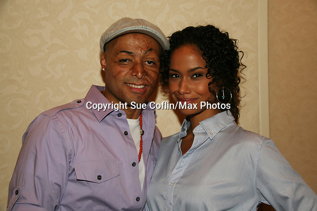 JR Martinez and Shannon Kane attend All My Children Fan Luncheon on September 13, 2009 at the New York Helmsley Hotel, NYC, NY. (Photo by Sue Coflin/Max Photos)