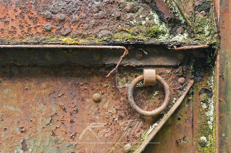 USA, WA, Fort Columbia SP, Rusty Steel Door