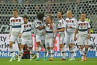 Jubel um Xherdan Shaquiri (Bayern) beim 0:4 mit Thomas Mueller und Dante - Eintracht Frankfurt vs. FC Bayern München, Commerzbank Arena