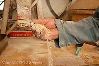 Molinero con harina