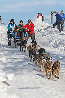 Travis Beals on Cordova St. hill during the Anchorage start day of Iditarod 2018 on Cordova St. hill during the Anchorage start day of Iditarod 2019