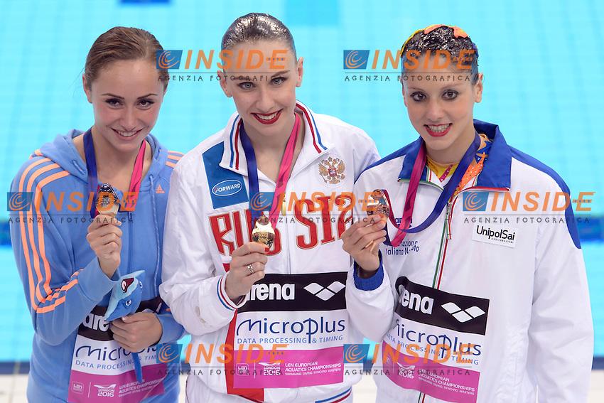Anna VOLOSHYNA UKR Ukraine Silver Medal <br /> Natalia ISHCHENKO RUS Russia Gold Medal <br /> Linda CERRUTI ITA Italy Bronze Medal  <br /> Solo Free Final <br /> London, Queen Elizabeth II Olympic Park Pool <br /> LEN 2016 European Aquatics Elite Championships <br /> Synchronized Swimming <br /> Day 02 10-05-2016<br /> Photo Andrea Staccioli/Deepbluemedia/Insidefoto