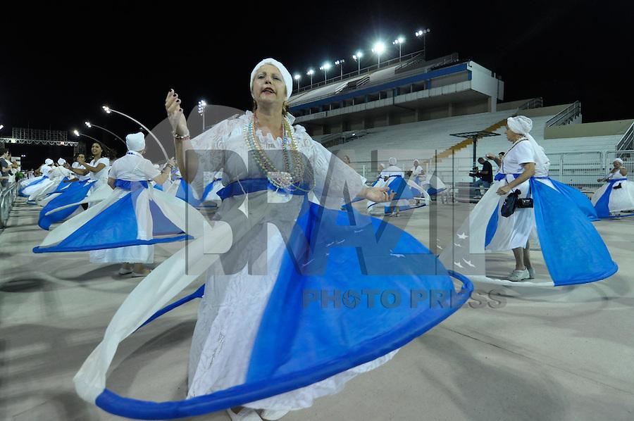 SÃO PAULO, SP, 29 DE JANEIRO DE 2012 - ENSAIO TÉCNICO ACADEMICOS DO TUCURUVI - Ensaio técnico da Escola de Samba Acadêmicos do Tucuruvi na preparação para o Carnaval 2012. O ensaio foi realizado  neste domingo (29) no Sambódromo do Anhembi, zona norte da cidade. FOTO: LEVI BIANCO - NEWS FREE