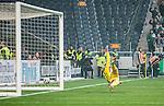 Solna 2015-03-07 Fotboll Allsvenskan AIK - Hammarby IF :  <br /> Hammarbys Johan Persson g&ouml;r 2-1 bakom AIK:s m&aring;lvakt Patrik Carlgren under matchen mellan AIK och Hammarby IF <br /> (Foto: Kenta J&ouml;nsson) Nyckelord:  AIK Gnaget Friends Arena Svenska Cupen Cup Derby Hammarby HIF Bajen jubel gl&auml;dje lycka glad happy