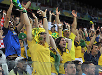 SAO PAULO - BRASIL -12-06-2014. Hinchas de Brasil durante el juego contra Croacia  partido del Grupo A de la fase inicial jugado en el estadio Arena Corinthians en Sao Paulo por la Copa Mundial de la FIFA Brasil 2014./ Brazilian fans during the game against Croatia the Group A match of the initial phase played at Arena Corinthians in Sao Paulo for the FIFA World Cup Brazil 2014the match of Group A of the initial phaseplayed at Arena Corinthians in Sao Paulo for the 2014 FIFA World Cup Brazil. Photo: VizzorImage / Alfredo Gutierrez / Contribuidor