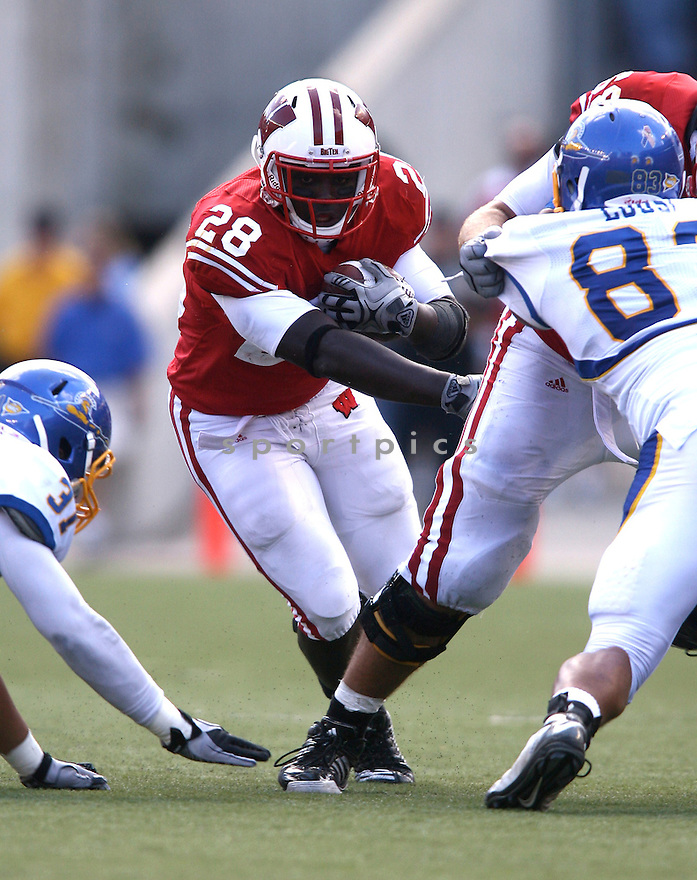 CODDYE RING-NOONAN, of Wisconsin, in action during the Wisconsin game against San Jose State on September 11, 2010 in Madison, Wisconsin...Wisconsin wins 27-14..SportPics