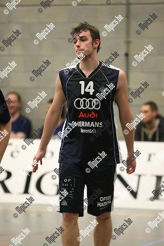 2010-02-13 / Basketbal / seizoen 2009-2010 / Herentals / Y. Van Broeck..Foto: mpics