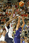 Spain's Juan Carlos Navarro (r) and USA's Kevin Durant during friendly match.July 24,2012. (ALTERPHOTOS/Acero)