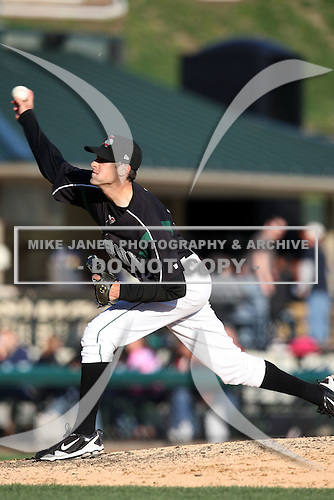 April 10, 2010:  Pitcher Derek Hankins of the Altoona Curve during a game at Blair County Ballpark in Altoona, PA.  Altoona is the Double-A Eastern League affiliate of the Pittsburgh Pirates.  Photo By Mike Janes/Four Seam Images
