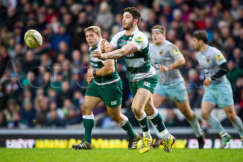 09.01.2016.  Welford Road, Leicester, England. Aviva Premiership. Leicester Tigers versus Northampton Saints. Owen Williams of Leicester Tigers passes wide.
