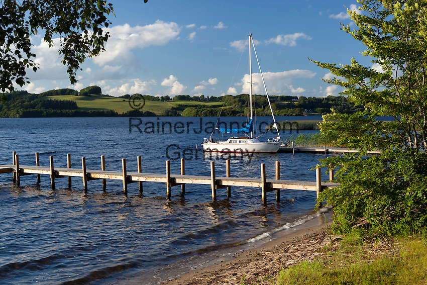 Denmark, Jutland, near Silkeborg: Yacht on Julsø lake | Daenemark, Juetland, bei Silkeborg: der Julsø-See
