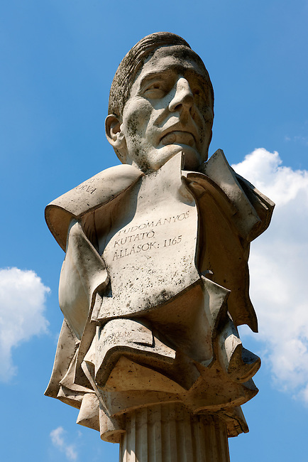 Statue of Academics - Szchenyi Square, Szeged, Hungary