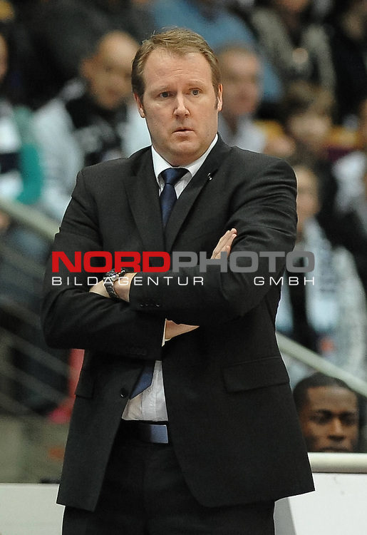 26.02.2012, Stadthalle Bremerhaven, Bremerhaven, GER, BBL, Eisb&auml;ren / Eisbaeren Bremerhaven vs TBB Trier, im Bild Douglas Spradley (Trainer Eisbaeren Bremerhaven)<br /> <br /> // during the match Eisbaeren Bremerhaven vs TBB Trier on 2012/02/26, Stadthalle Bremerhaven, Bremerhaven, Germany.<br /> Foto &copy; nph / Frisch *** Local Caption ***