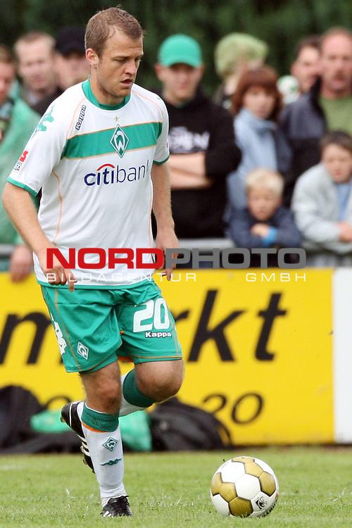 FBL 08/09 Test - BSV Kickers Emden vs. SV Werder Bremen in Loga bei Leer am 20.07.2008 1:2 (1:0)<br /> <br /> Freundschaftsspiel - Friendlymatch<br /> <br /> Daniel Jensen (#20 DEN Werder Bremen).<br /> <br /> Foto &copy; nph (  nordphoto  ) *** Local Caption ***