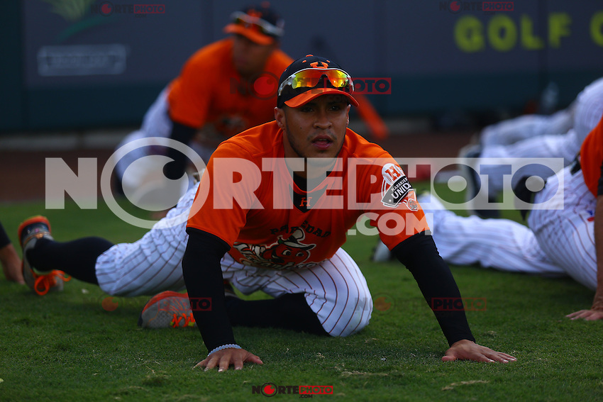 Jorge Flores de Naranjeros , previo al juego contra Aguilas de Mexicali, la Fiesta Mexicana del beisbol  celebrada  en el estadio Sloan Park de Phoenix (Meza) Arizona, el 18 de Septiembre del 2015.<br /> <br /> CreditoFoto:LuisGutierrez<br /> TodosLosDerechosReservados<br /> ElIMPARCIAL