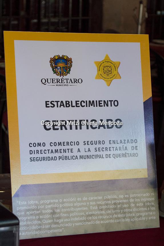 Querétaro, Qro. 9 de enero 2018.- Ya están instalados los botones de pánico en los comercios del Centro Histórico de Querétaro