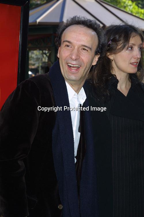 ©2002 Kathy Hutchins/ HUTCHINS PHOTO.Pinocchio Premire .LOS ANGELES, CA.DECEMBER 22, 2002..ROBERTO BENIGNI