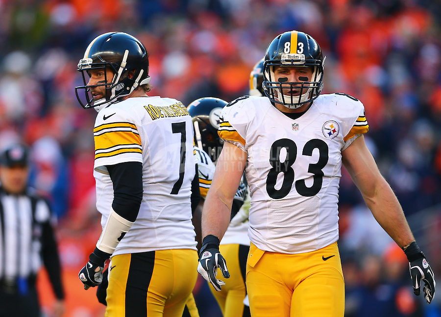 Jan 17, 2016; Denver, CO, USA; Pittsburgh Steelers quarterback Ben Roethlisberger (7) and tight end Heath Miller (83) against the Denver Broncos during the AFC Divisional round playoff game at Sports Authority Field at Mile High. Mandatory Credit: Mark J. Rebilas-USA TODAY Sports