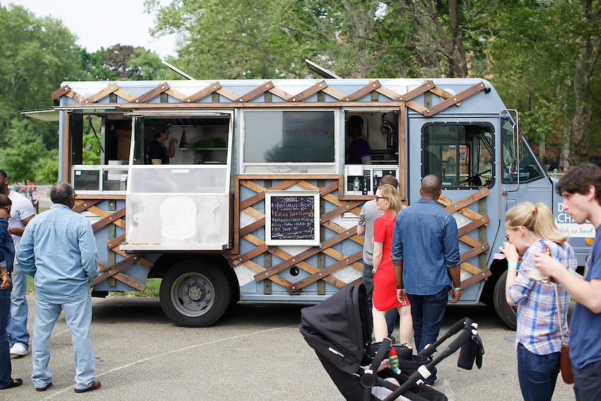 The Snow Day Truck at Harlem Eats!<br /> <br /> &copy; Clay Williams / claywilliamsphoto.com