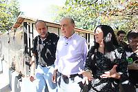 SAO PAULO, SP. 23 DE AGOSTO DE 2012. ELEICOES 2012 JOSE SERRA - O candidato do PSDB a prefeitura de Sao Paulo, Jose Serra, durante visita a UIPA - União Internacional de Proteção Animal no Canindé na Zona Norte da Capital Palulista na tarde desta quinta feira. FOTO ADRIANA SPACA - BRAZIL PHOTO PRESS
